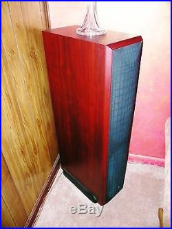 ACOUSTIC RESEARCH AR1 TOWER SPEAKERS W BUILT IN 500 Watt powered Amp 17 SUB