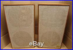 AR-2ax Acoustic Research Speakers100With8ohms speakers in very good condition