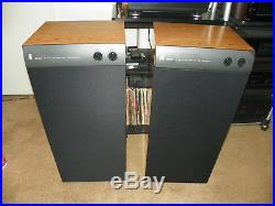 Accoustic Research SRT-330 Speakers
