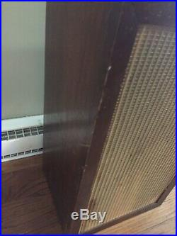 Acoustic Research AR-3 Speaker with grill C-10939