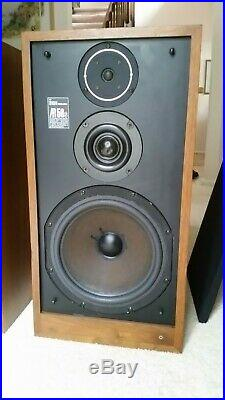 Acoustic Research AR 58s Speakers