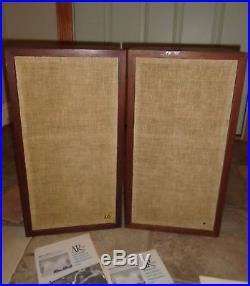 Pair of vintage Acoustic Research AR 4x Speakers