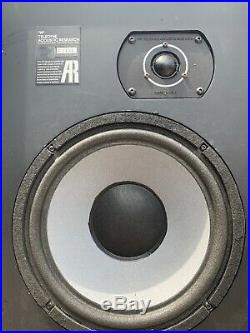 VINTAGE PAIR OF ACOUSTIC RESEARCH AR 14 SPEAKERS. Tested