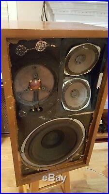 Vintage ACOUSTIC RESEARCH AR-2A Loud Speakers