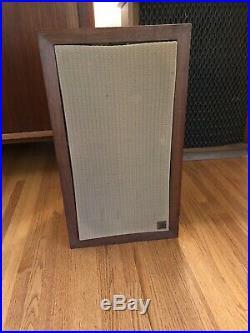 Vintage Acoustic Research AR3 Speaker