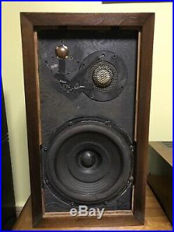 Vintage Acoustic Research AR-3 Speakers. Fully Restored