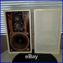 Vintage Pair ACOUSTIC RESEARCH AR-2A Loud Speakers