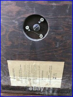 Vintage Pair of ACOUSTIC RESEARCH AR-2 Wood Speakers