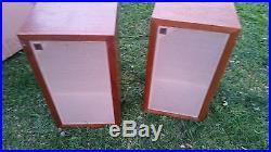 Vitage Acoustic Research Ar-3 Ar3 Speakers. Original Pair Walnut Color
